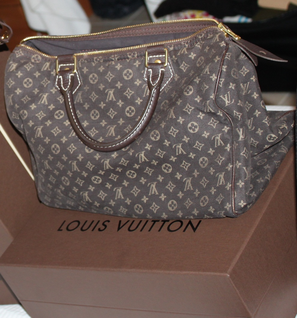 a4868c058071 I hope this helps out those who are planning to buy a brand new or  pre-owned luxury LV Speedy Mini Lin Cotton Handbag.