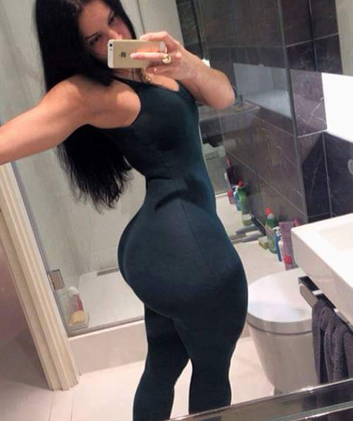 Rich Sugarmummy Is In Need Of A Handsome Guy To Take Care of..