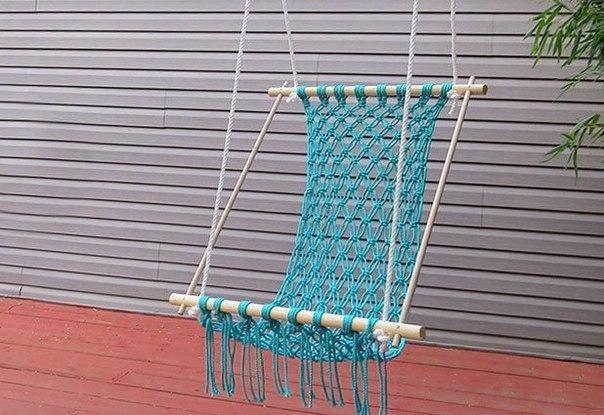 Плетем яркий гамак для дачи