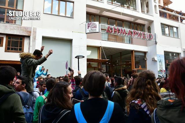 Ανακοίνωση της ΚΝΕ για την διακοπή μεταφοράς των μαθητών από το ΚΤΕΛ Αργολίδας