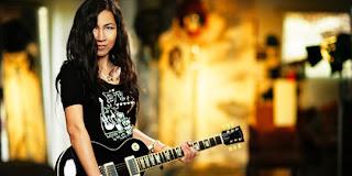 10. 10 Gitaris Top Wanita Indonesia