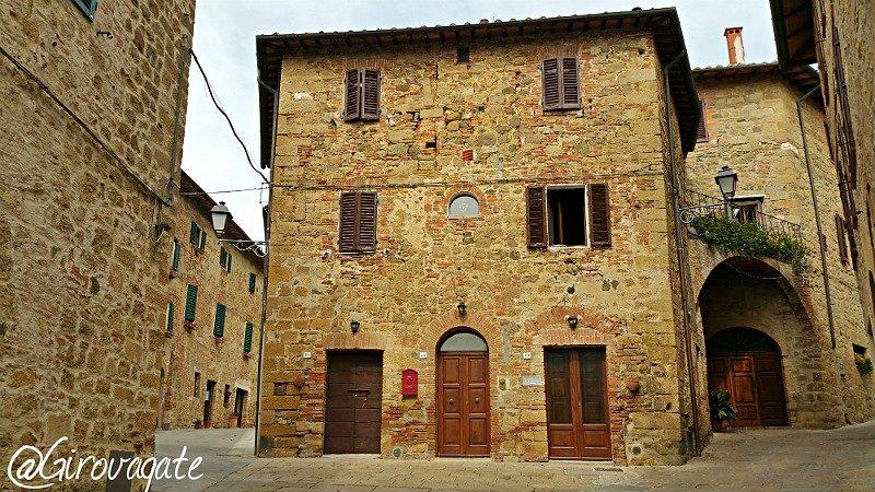 vintage tours vespa toscana monticchiello