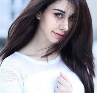warina hussain new actress wallpaper