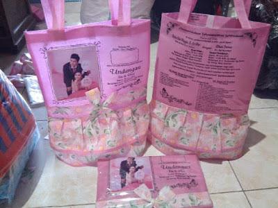 tas undangan nikah bentuk rok