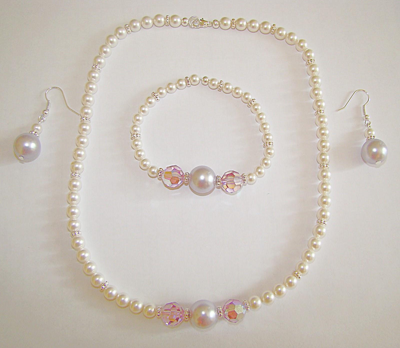 10d06b6c980 Kõik oli justkui korras, aga puudusid kleidi juurde sobivad ehted. Sai siis  valmistatud Swarowski pärlitest ja kristallidest selline komplekt.