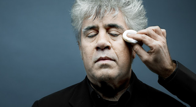 "Revisitando as obras de ""Pedro Almodóvar"""