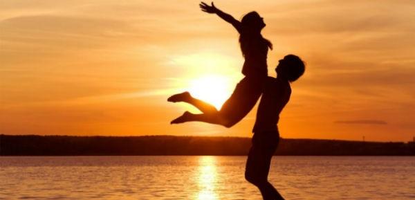 Sjelljet që meshkujt shfaqin kur janë me Dashurinë e Vërtetë