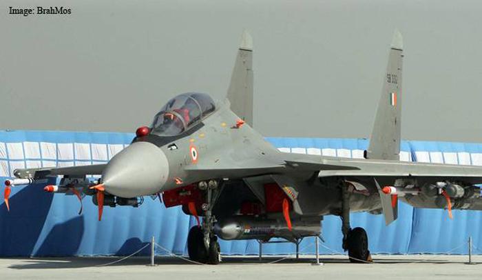 Su-30 MKI India usung rudal BrahMos (BrahMos)