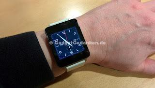 Meine LG G Watch mit weißem Silikonarmband
