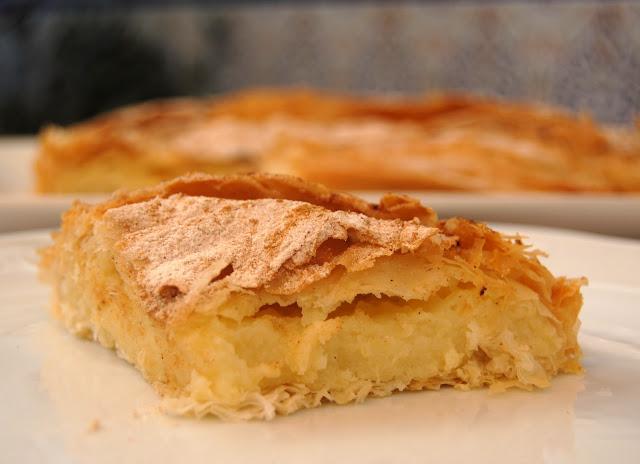 Pastel de Crema y sémola con pasta filo Bougatsa