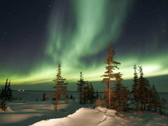 مشهد رائع من المحطة الفضائية الدولية للأرض aurora_borealis-1024