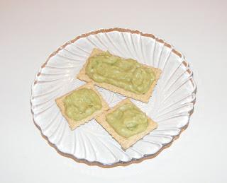 Krackers cu sos de avocado retete culinare,