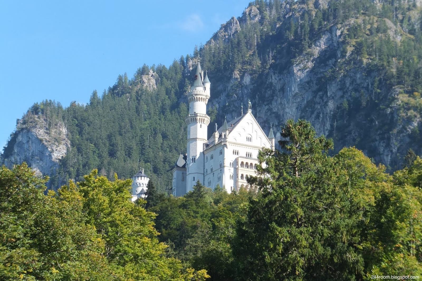 ノイシュヴァンシュタイン城 neuschwanstein-castle