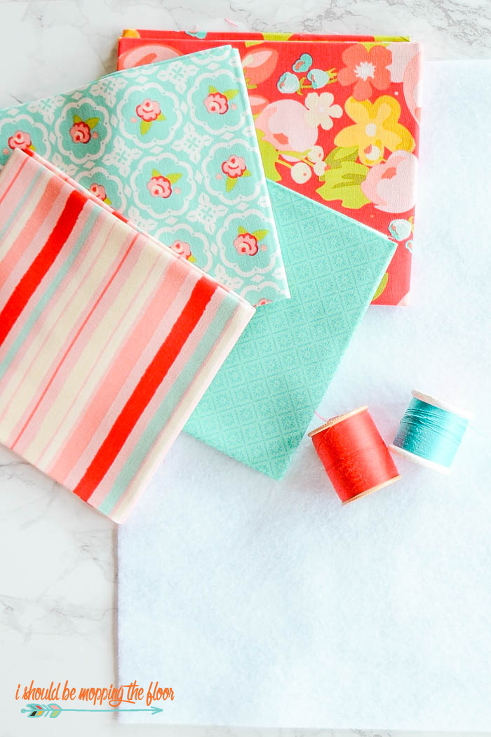 Easy Quilted Coasters | Create this beginning sewing project without any in-depth quilting skills and minimal supplies. These make a perfect gift.