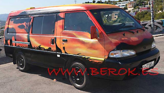 Graffiti furgoneta paisaje África