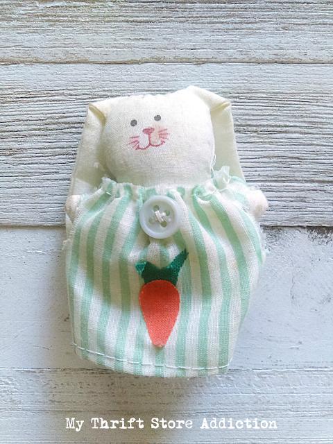 handmade Easter bunny pin