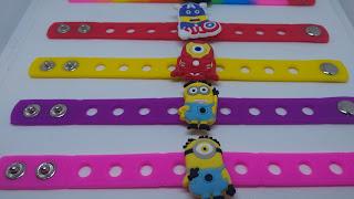€0,99 - 10 bracciali Minions braccialetti in 3D silicone morbidi gomma pvc personalizzati a tema cattivissimo me gadgets fine festa di compleanno bambini