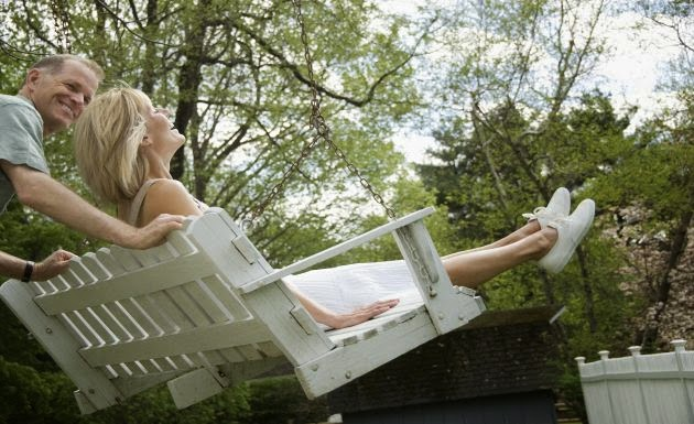 ideas to reuse the recycled furniture as outdoor furniture