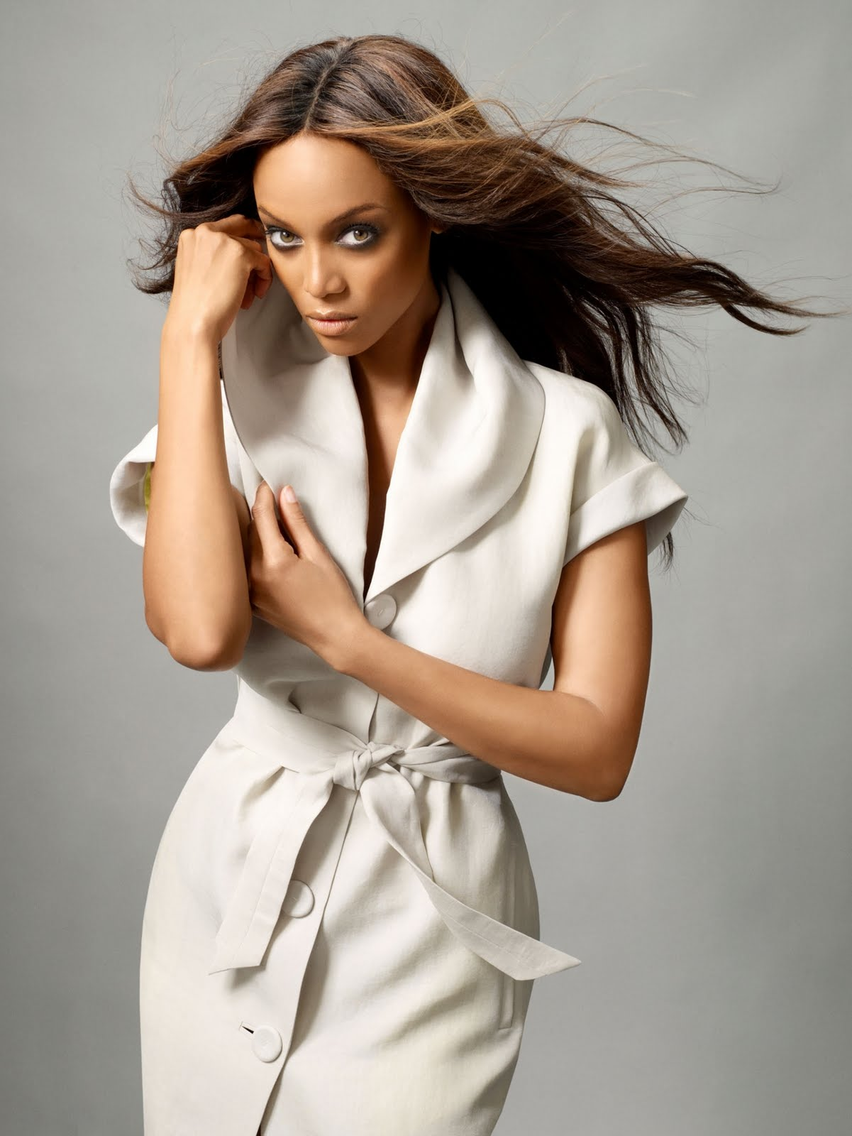Tyra Banks (America's Next Top Model Cycle 13 Photos) HQ