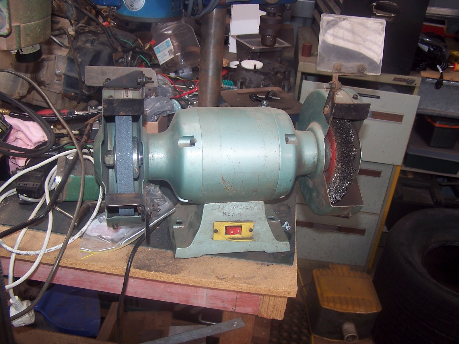 best bodger s paradise pillar drill and bench grinder tp76 [ 1600 x 1200 Pixel ]