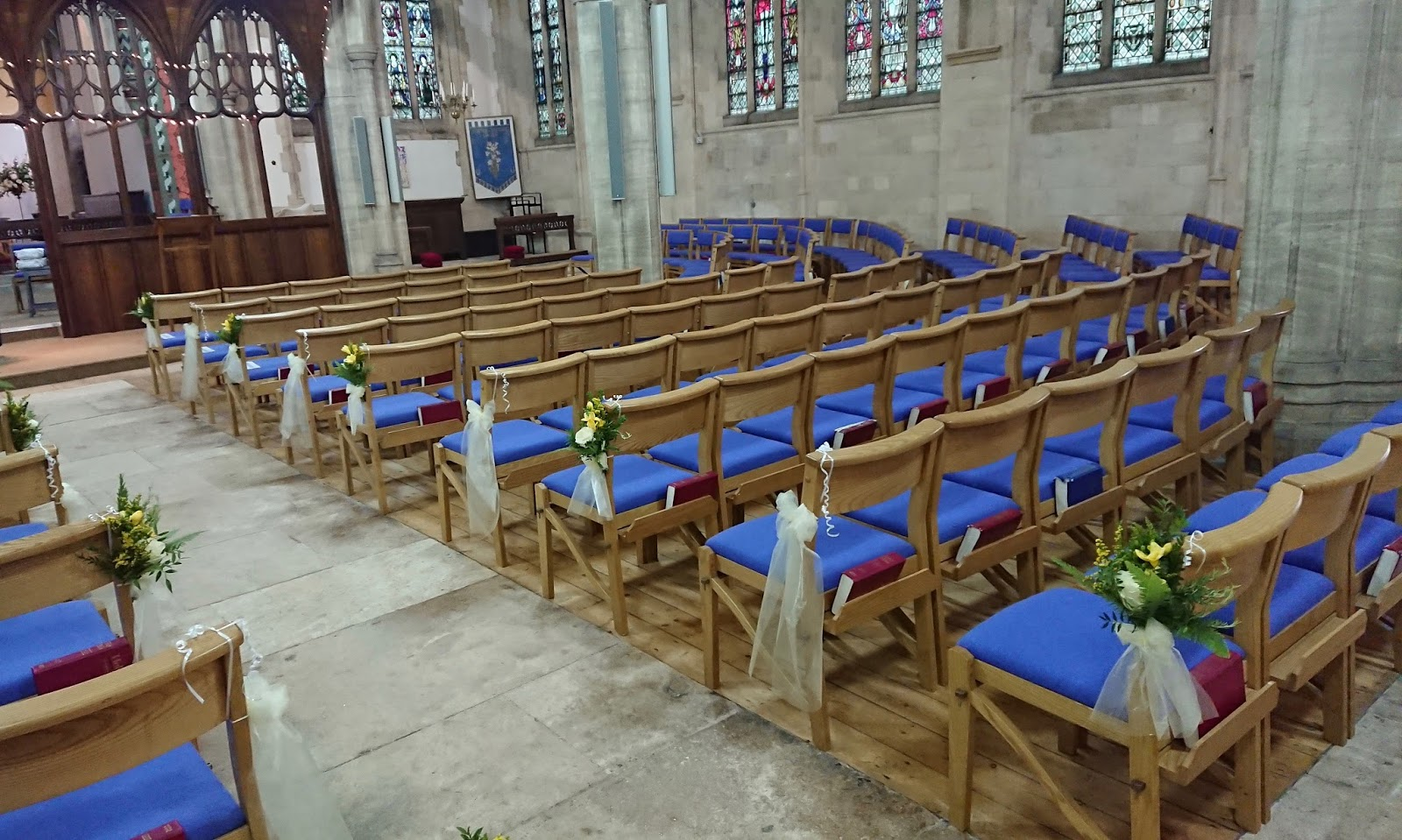 As You Wish Floral Design Early Spring Wedding At The Hy: Sandra's Flower Studio: St Peter At Eastgate Church