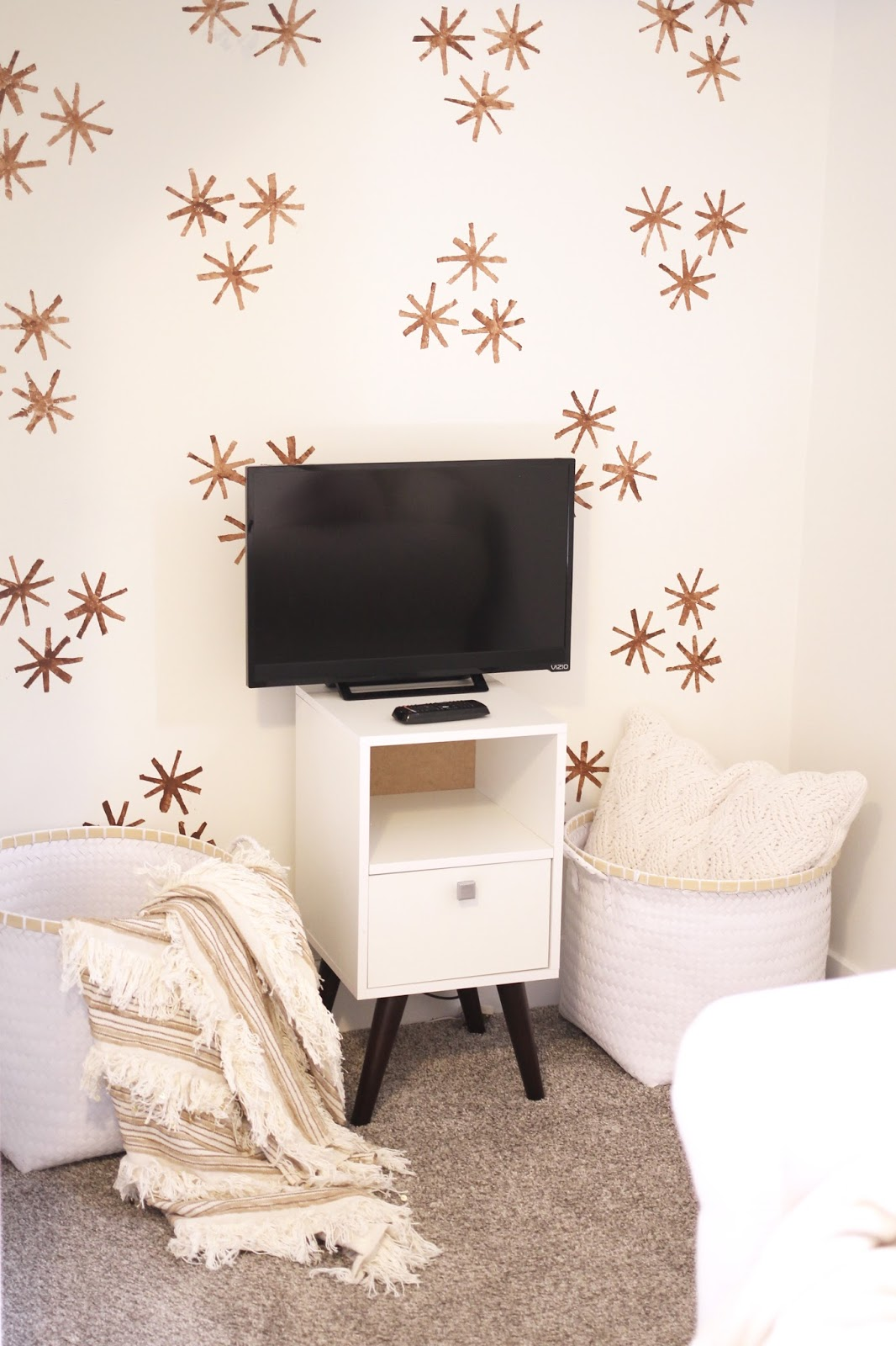 stenciled wall, play room neutral, benjamin moore white dove