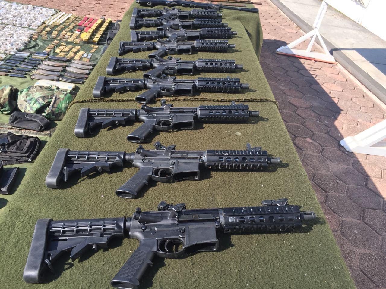 Militares aseguran armamento, droga y equipo táctico en municipio Zacatecano.