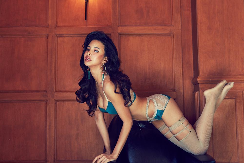 Korean Model Lee Nana in Lingerie Set August 2017
