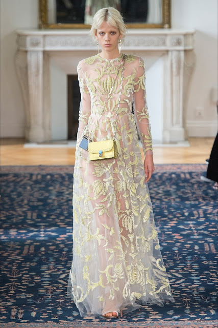 valentino ss17 paris fashion week, valentino paris fashion week, paris fashion week, valentino ss 17, fashion need, runway report paris fashion week, valentino paris fashion week, valentino garavani, valentina rago