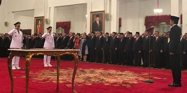 Jokowi Lantik Anies-Sandi, Sah Jakarta Punya Gubernur-Wagub Baru