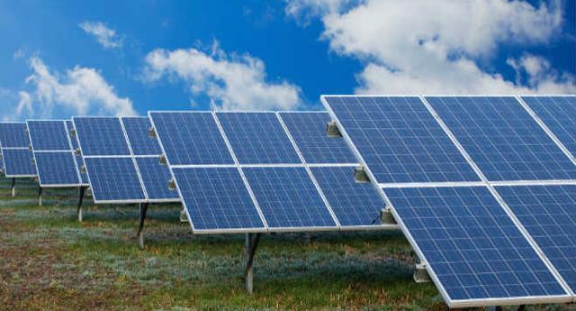 multa de 128 millones a España por los recortes en renovables