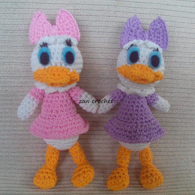 Daisy Duck Zan Crochet