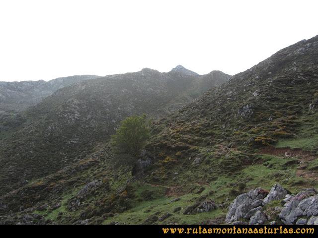 Ruta Ercina, Jultayu, Cuvicente: Camino al refugio de Vega de Ario
