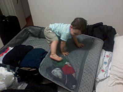 Arrumando malas com Criança