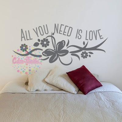 vinilo decorativo frase all you need is love mariposa floral