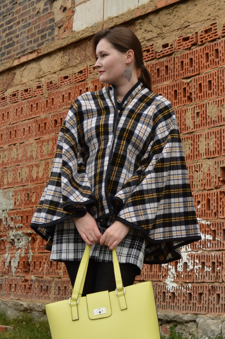 georgiana quaint, video lookbook, video outfit, tartan outfit