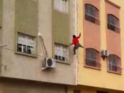 ألقى بزوجته من الشرفة بسبب وجبة سحور