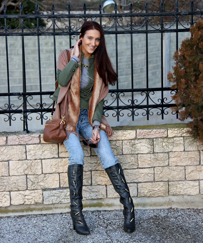 trendy dark army green high boots with heels and gold details