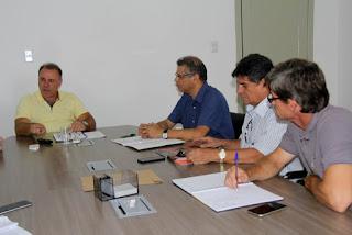 Prefeito de Registro-SP reúne-se com contadores e empresários  para tratar de assuntos que fomentem o comércio