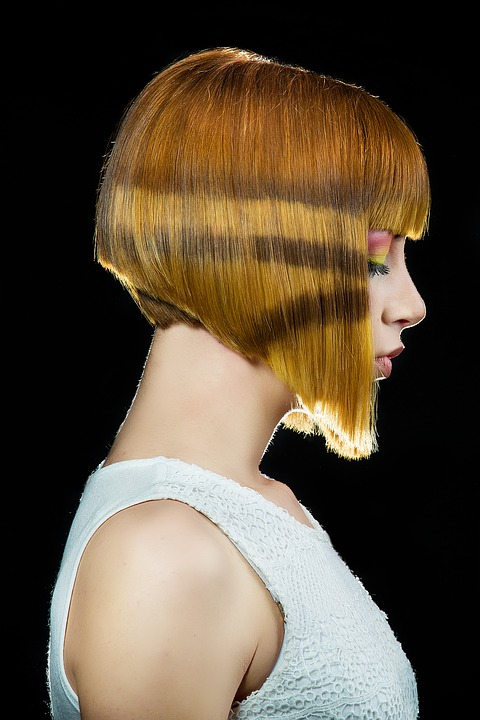 layered women haircut