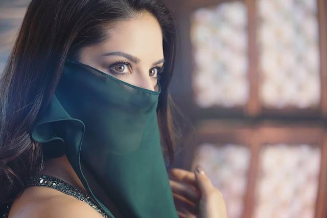 Sunny Leone Hot Celebrity Photos Download [17]