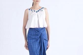 Baju Batik Kombinasi Polos Yang Modern Dan Trendi