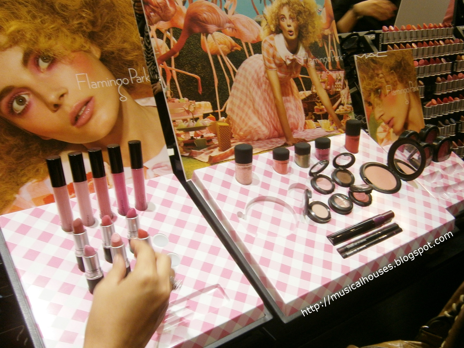 Watch MAC Flamingo Park Spring 2019 Makeup Collection video