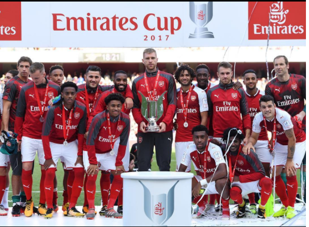 Arsenal With Emirets Cup