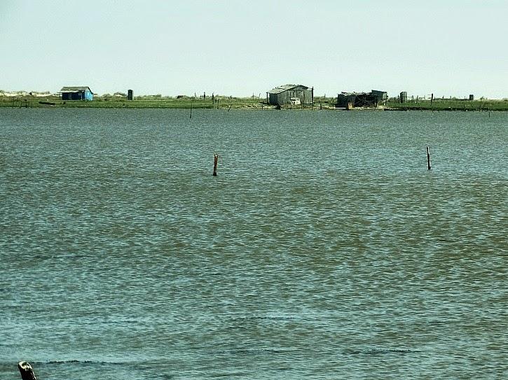 Casas de pescadores na Barra da Lagoa do Peixe, Tavares, Rio Grande do Sul