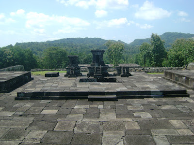 Paseban Candi Ratu Boko via 1.bp.blogspot.com