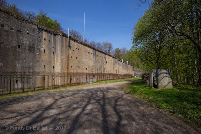 Feste Obergentringen (Moselstellung) — Fort de Guentrange. Caserne