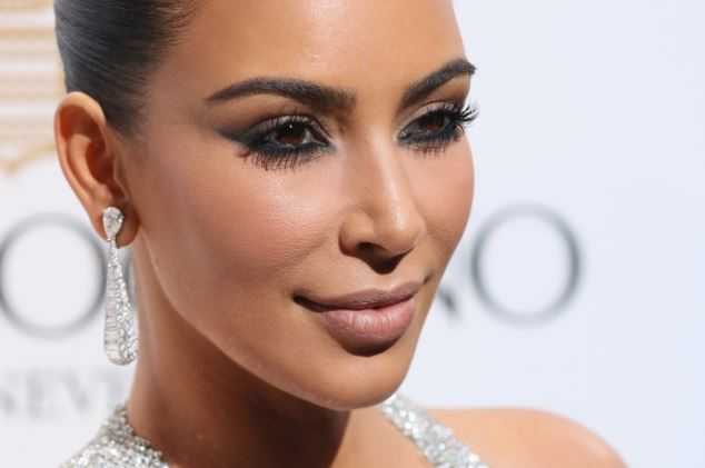 Kim Kardashian evita leer
