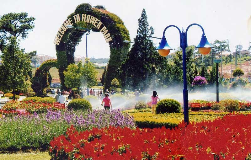 Vườn hoa thành phố- Tour hot du lịch Nha Trang- Đà Lạt giá rẻ