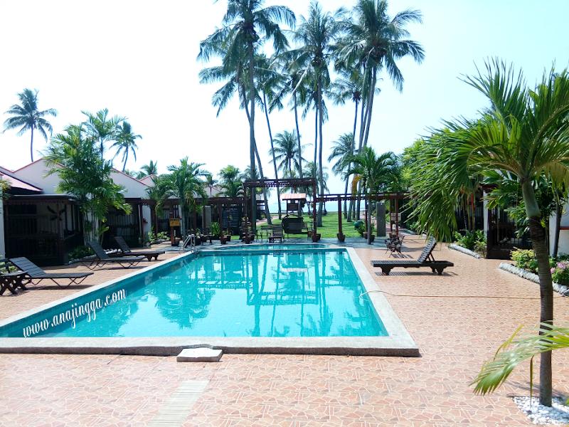 Chalet Tepi Pantai Di Shah's Beach Resort, Melaka